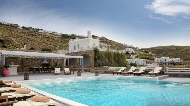 Image of the Mykonos Spirit Diodos Villa with pool and BBQ.